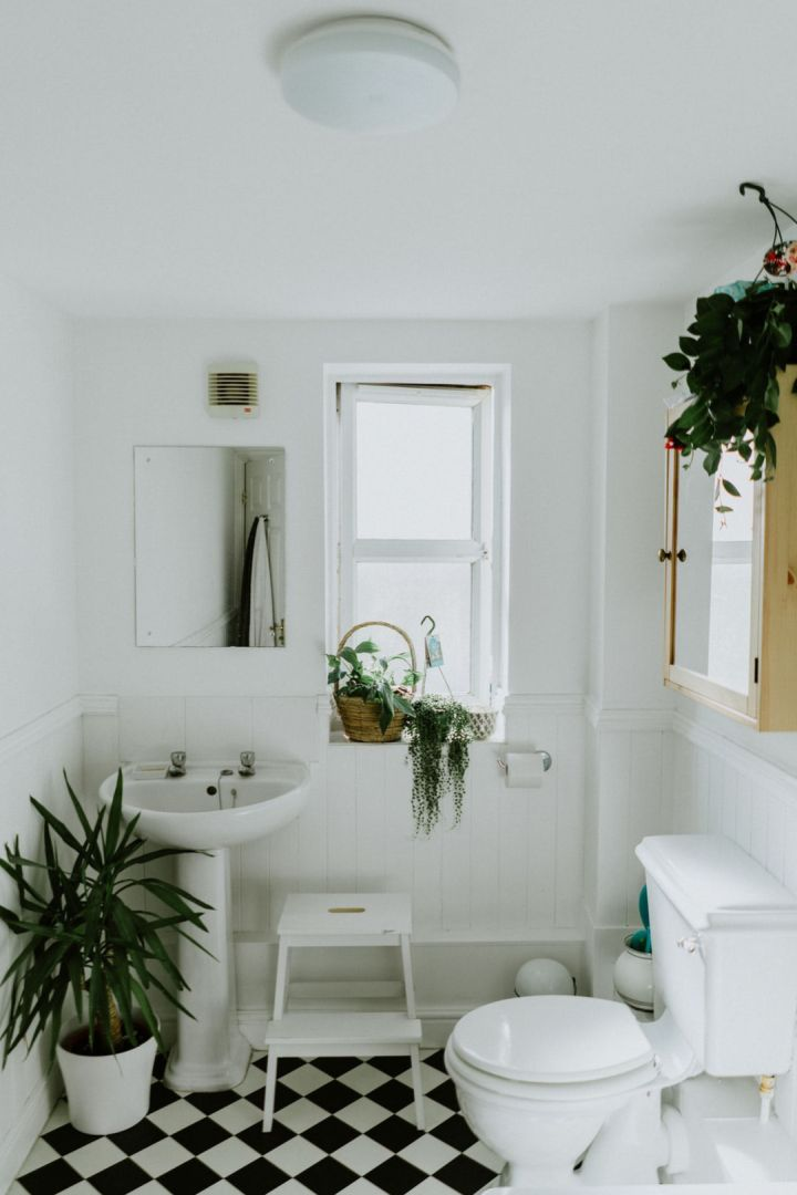 white tiles bathroom remodeling Chicago